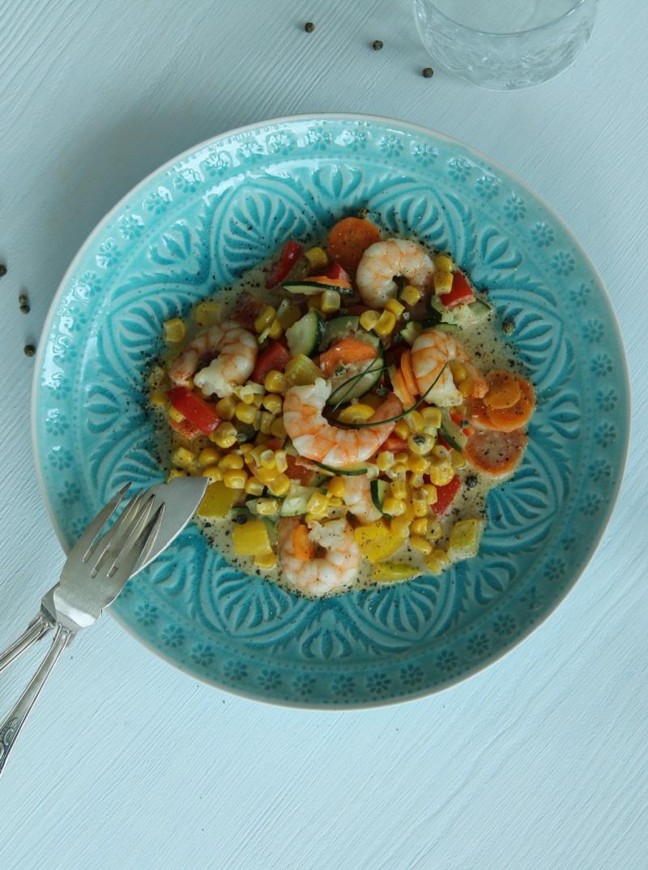 Gemüse-Kokos-Curry mit Garnelen